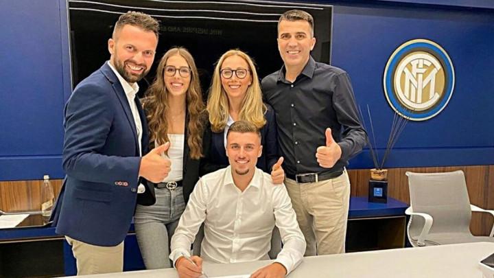Potpis u Interu