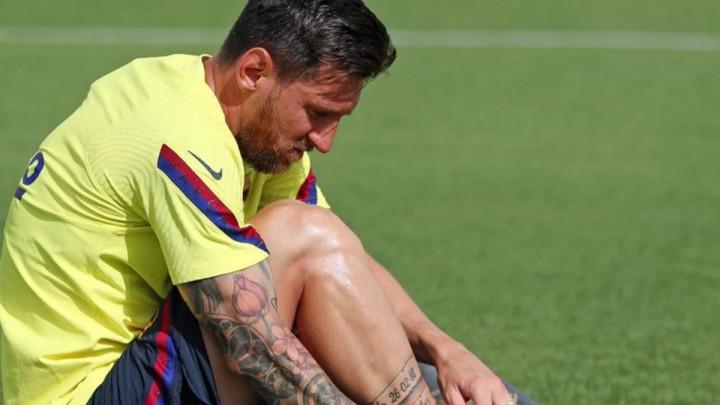 Messi stigao na trening Barcelone!