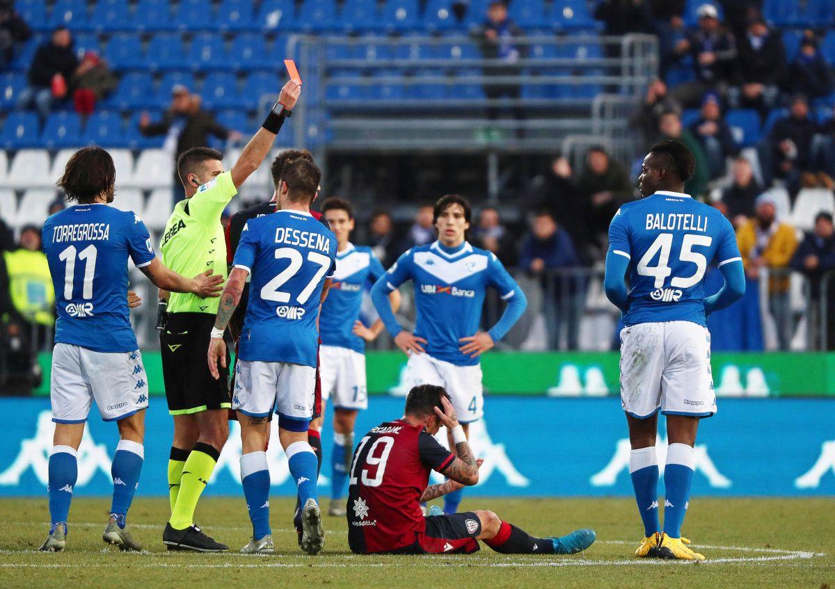 Nikada se neće promijeniti: Kung fu Balotelli pocrvenio za sedam minuta igre