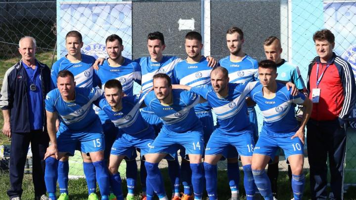 Veliko slavlje u svlačionici FK Bosna Kalesija nakon pobjede u derbiju