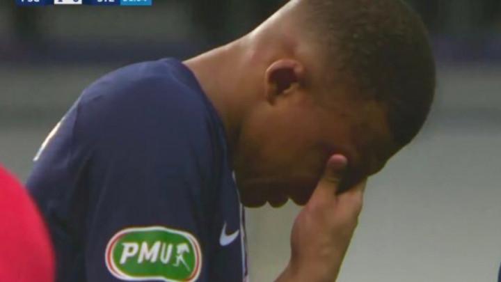 Perrin je doslovno raznio Mbappea: Zvijezda PSG-a u suzama napustila teren