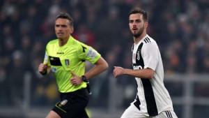 Da li se sprema veliki transfer: Pjanićev menadžer s razlogom ucjenjuje Juventus?