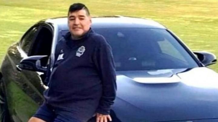 """Maradona može šta hoće: Na """"zvijer"""" od 200.000 ugradio rotacije i instalirao policijsku sirenu"""