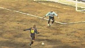 """Da li bi Messi i CR po ovakvom užasnom terenu bili tako dobri kao """"pravi"""" Ronaldo?"""