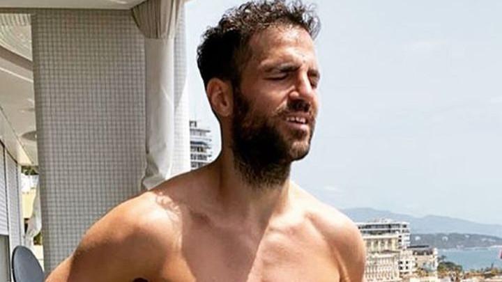 Fabregas promijenio imidž, ali njegovi brkovi nisu oduševili fanove na Instagramu