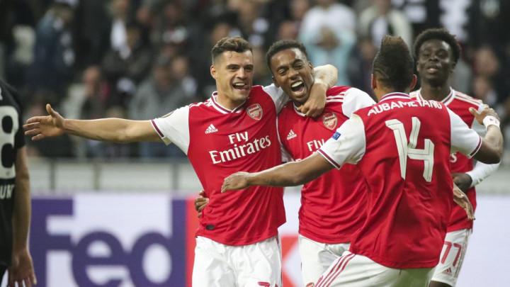 Xhaka već spakovao kofere, u januaru napušta Arsenal i seli u Italiju?