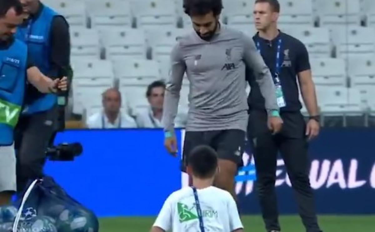 Scena koju nikakve riječi ne mogu opisati: Mohamed Salah usrećio dječaka bez nogu