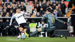 Ludilo na Mestalli: Courtois u 95. minuti šutirao, Benzema odbijanac pospremio u mrežu