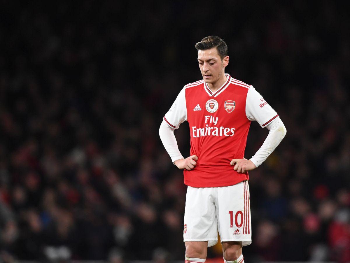 Ozil ismijavao Tottenham nakon poraza u finalu