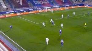 Kakav spektakl na utakmici Eibar - Real Madrid: Nema golmana koji bi ovo odbranio