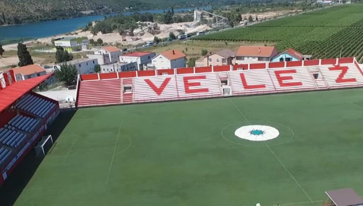 Cvijet Srebrenice na centru stadiona FK Velež