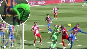 """Igrači Barcelone umalo zadavili Suareza: """"Hajde debeli, ne zaje*aji..."""""""