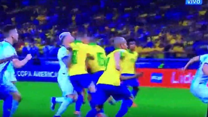 Dvije sporne situacije: Da li je Argentina oštećena u susretu protiv Brazila?