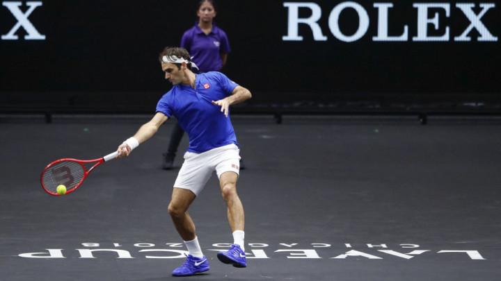 Federer u polufinalu Šangaja