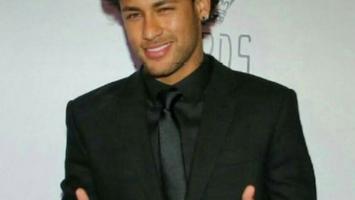 Neymar s novom frizurom više ne liči na fudbalera