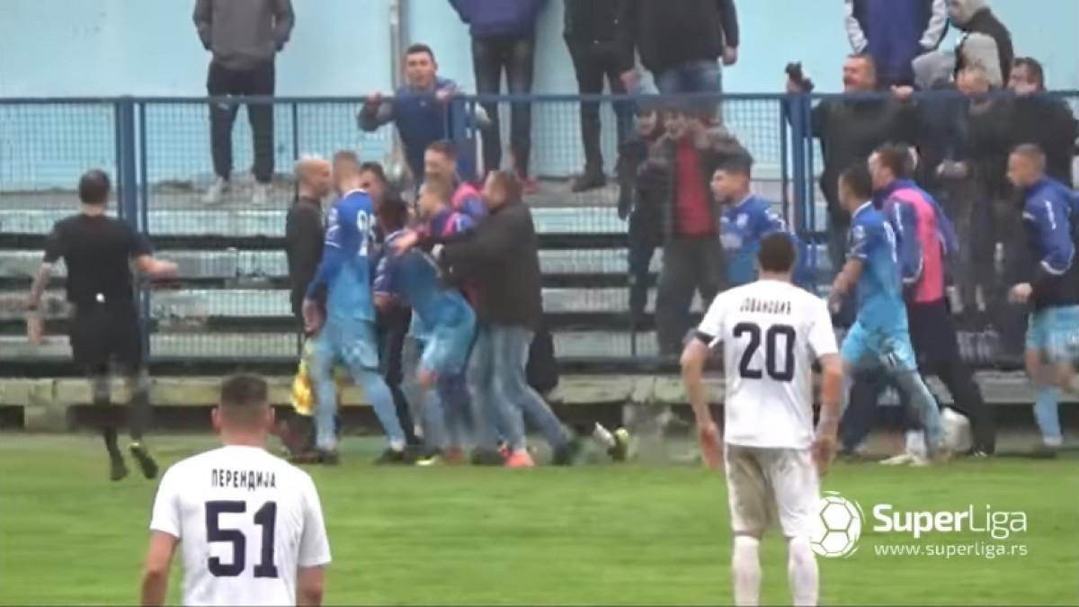 Veliki skandal trese Srbiju: Sudija spašavao živu glavu, ali nakon meča je tek uslijedio šok