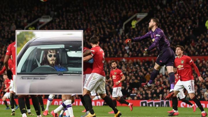 Fotomontaža ili stvarna pojava: Zvijezda Manchester Uniteda poput Robinson Crusoa