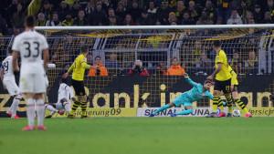 Borussia deklasirala Eintracht, novi gol Haalanda