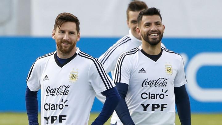 Englezi objavili da je Aguero rekao da Messi ne zaslužuje Zlatnu loptu, a on se oglasio na Twitteru