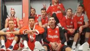 Đedović ili Ibrahimović? Bayernova božićna čestitka zbunila navijače na Twitteru