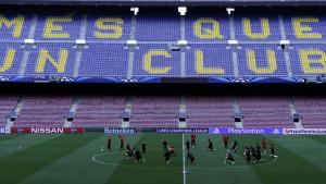 Barcelona prinuđena smanjiti plate fudbalerima