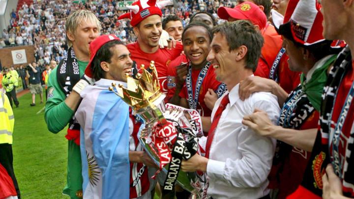 """Neville """"naružio"""" Teveza: U drugoj sezoni u klubu je kasnio na treninge, nije bio posvećen..."""