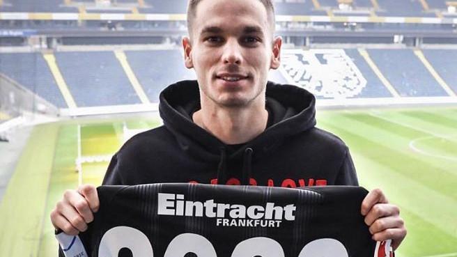 """Trebinjac potpisao novi ugovor s Eintrachtom: """"Ima nevjerovatan potencijal"""""""