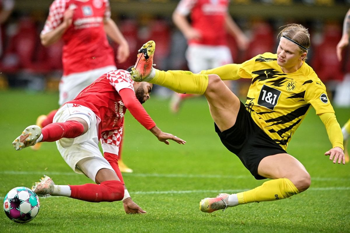 Borussia odbila ponudu Chelseaja za Erlinga Haalanda