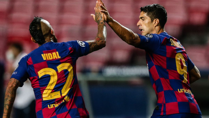 Fotografija s Suarezom: Vidal porukama na Instagramu provocira čelnike Barcelone