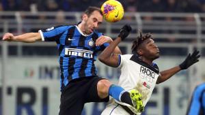 Atalanta propustila šansu da slavi na Meazzi, Handanović spasio Inter poraza