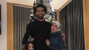Salah sinoć objavio porodičnu fotografiju ispred jelke, uslijedili brojni komenari