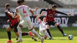 Ajdin Hrustić spasio Eintracht poraza, očekuje nas paklena borba za Ligu prvaka