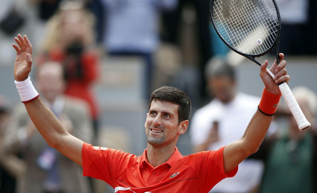 "Novak Đoković ""počistio"" Zvereva i plasirao se u polufinale Roland Garrosa"