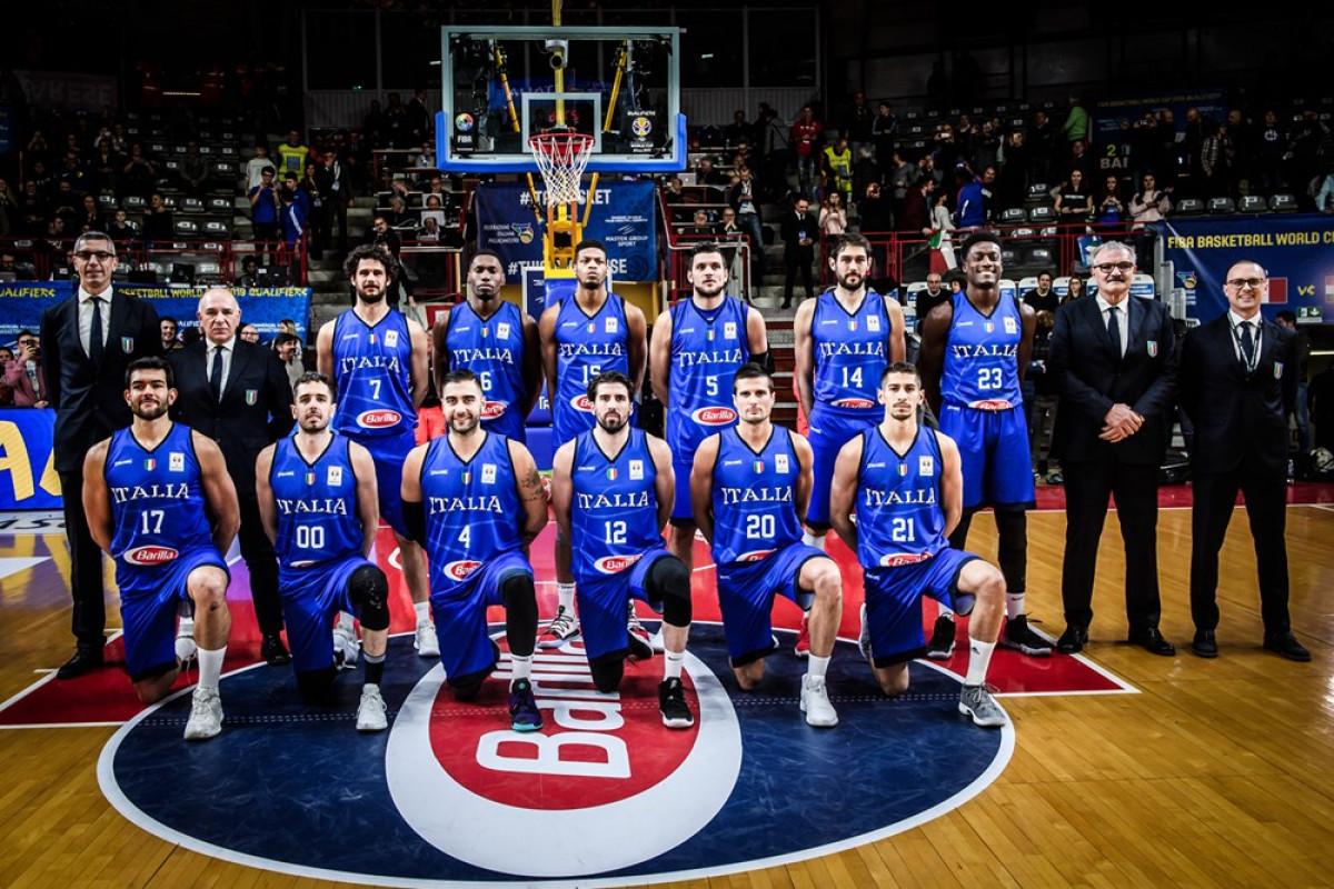 I košarkaši Italije sletjeli u Kinu