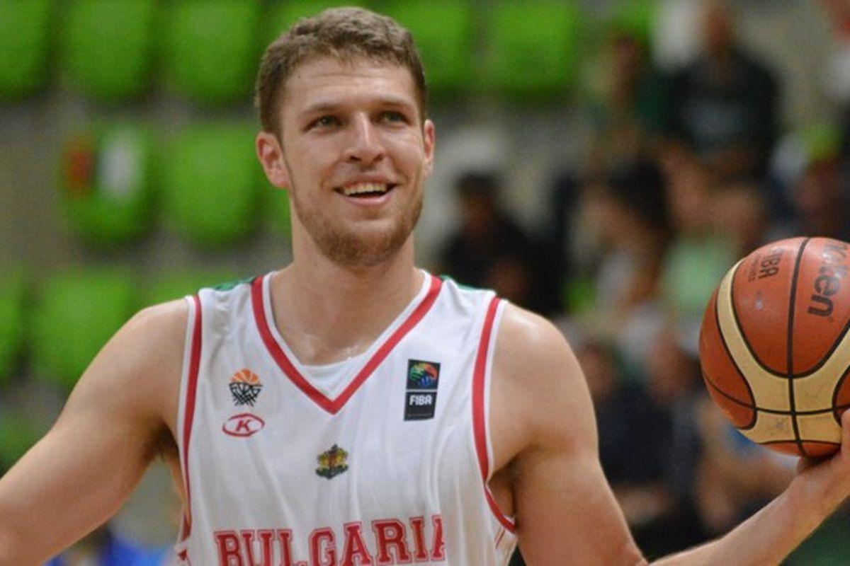 Aleksandar Vezenkov ostaje u Olympiacosu i iduće dvije sezone