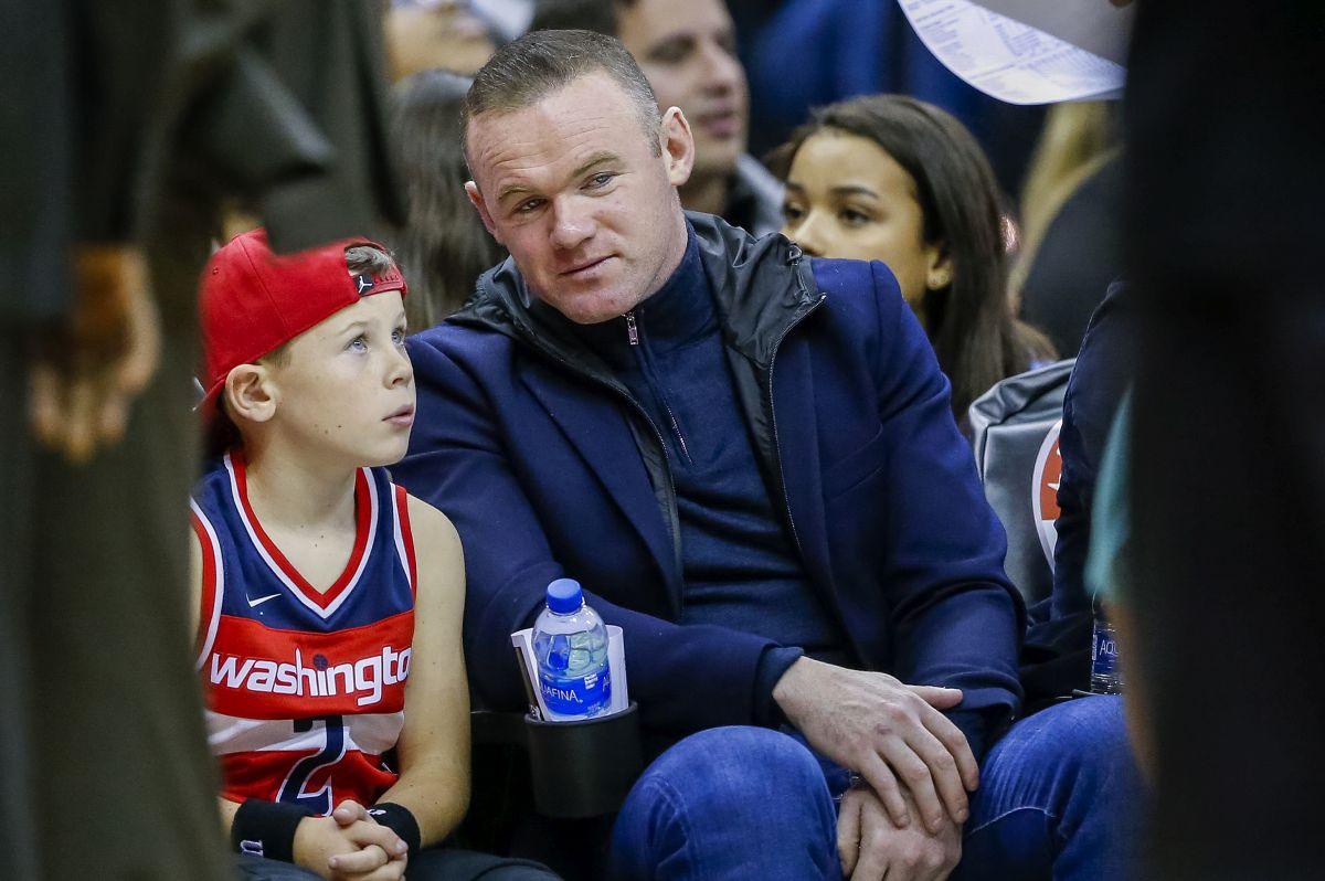 Sinu Waynea Rooneyja ponuđeno mjesto u velikom rivalu