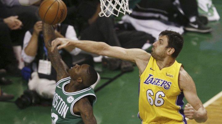 Lakersi otpustili Boguta nakon 38 utakmica sezone