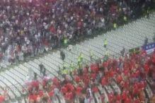Neredi na Marakani, Velšanima 'padale' zastave