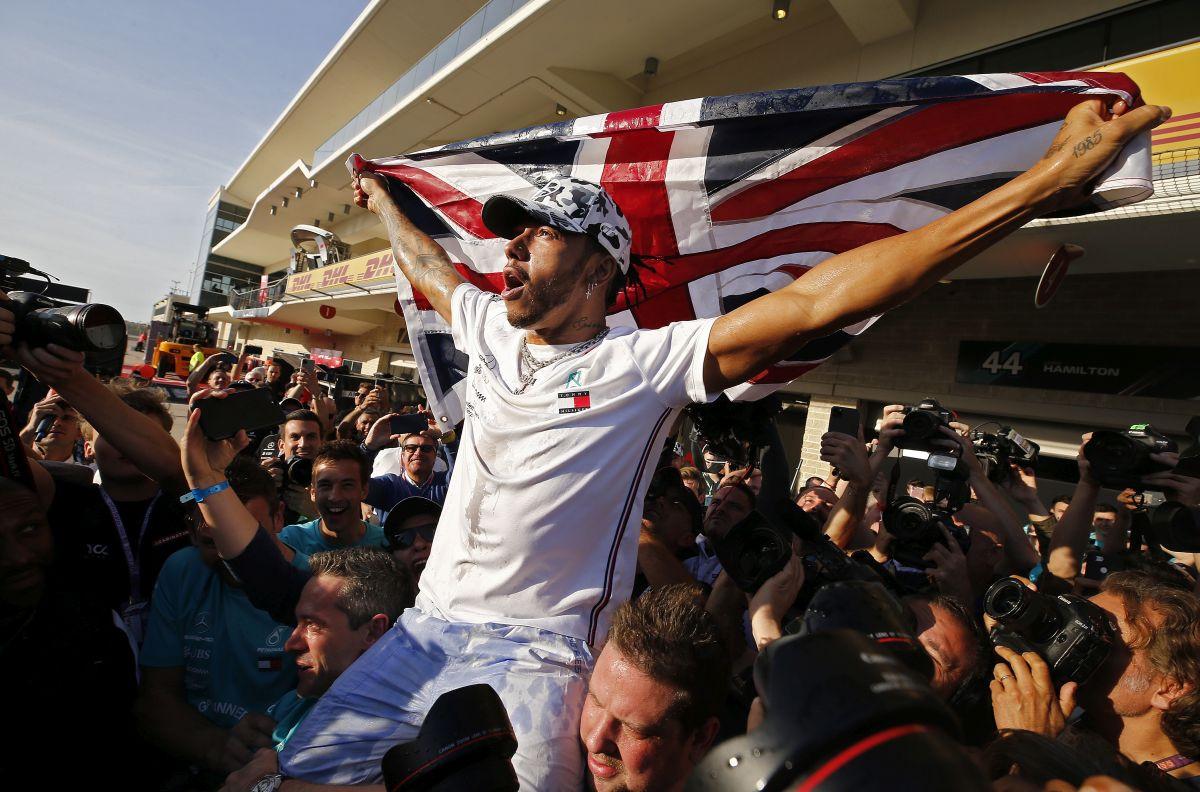 Lewis Hamilton želi 55 miliona eura godišnje!