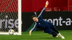 Asmir Begović dobio još jednu ponudu iz Premiershipa
