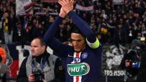 Cavani se pozdravio sa igračima PSG-a