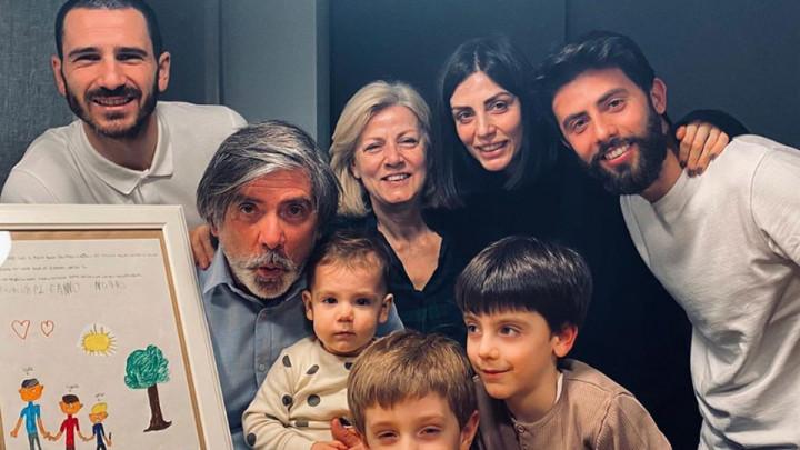 Bonuccija kritikuju zbog fotografije, supruga stala u njegovu odbranu