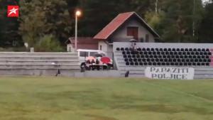 Treće poluvrijeme u Poljicu: Uzalud kiša, niko nije ni pomišljao da ode sa stadiona