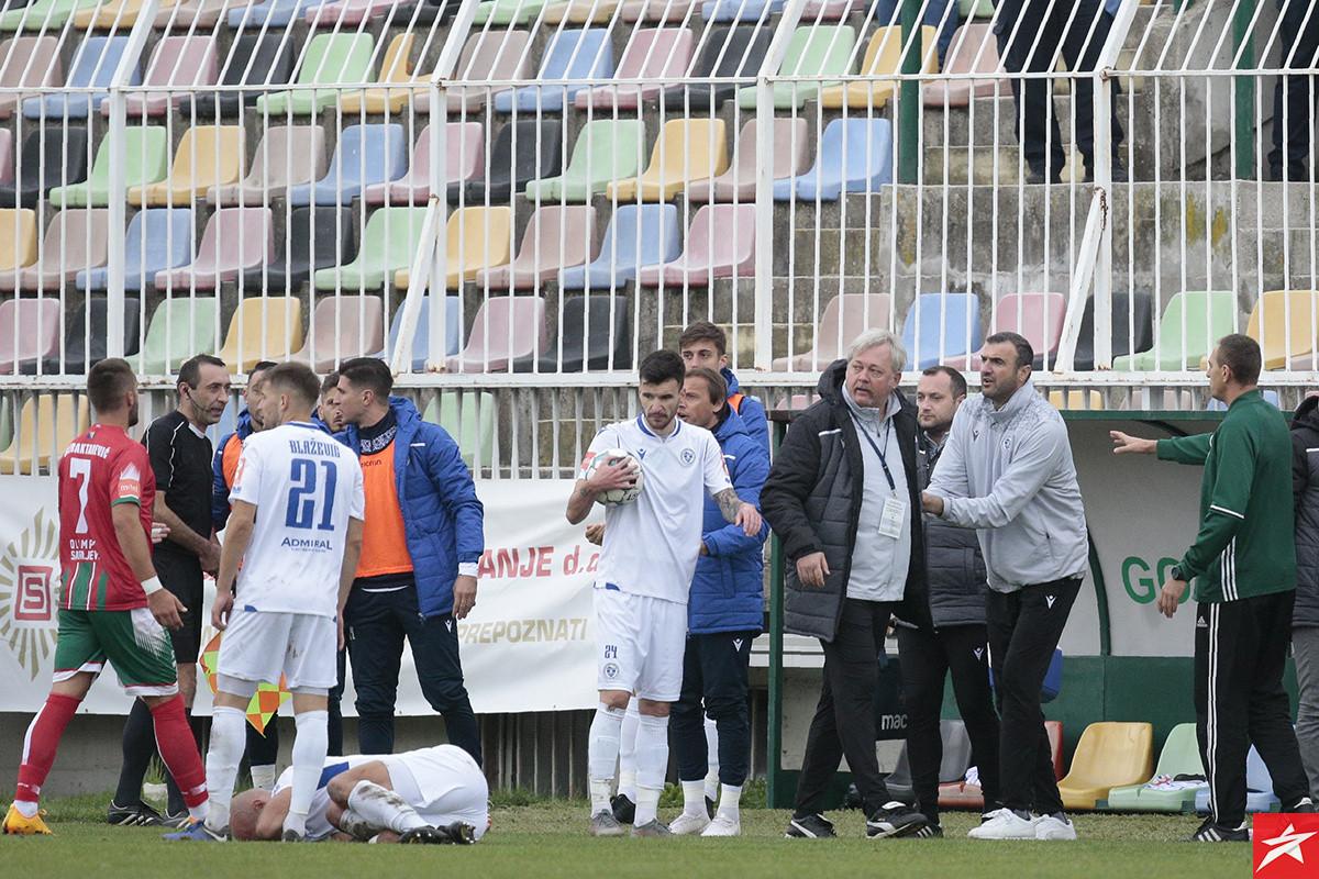 Osim ostavio na klupi Lendrića i Mujezinovića, Ermin Zec od prve minute
