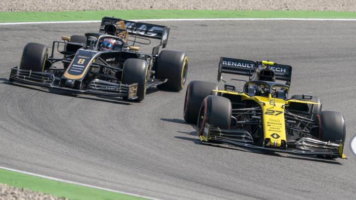 Renault baš nema sreće: I kamion izletio s ceste...