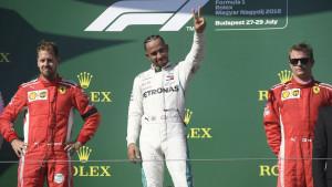 Hamilton: Nije mi jasno šta se dešava Vettelu i Ferrariju
