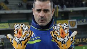 Legendarni italijanski golman ipak nije završio sa fudbalom - igraće špica!