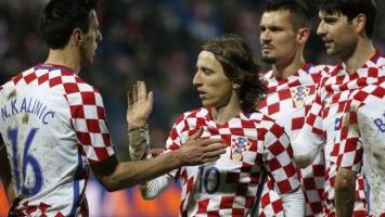Hrvati zabrinuti, moraju mijenjati grb na dresu?