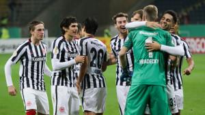 Fudbaleri Eintrachta u posebnim dresovima izlaze na megdan Bayernu