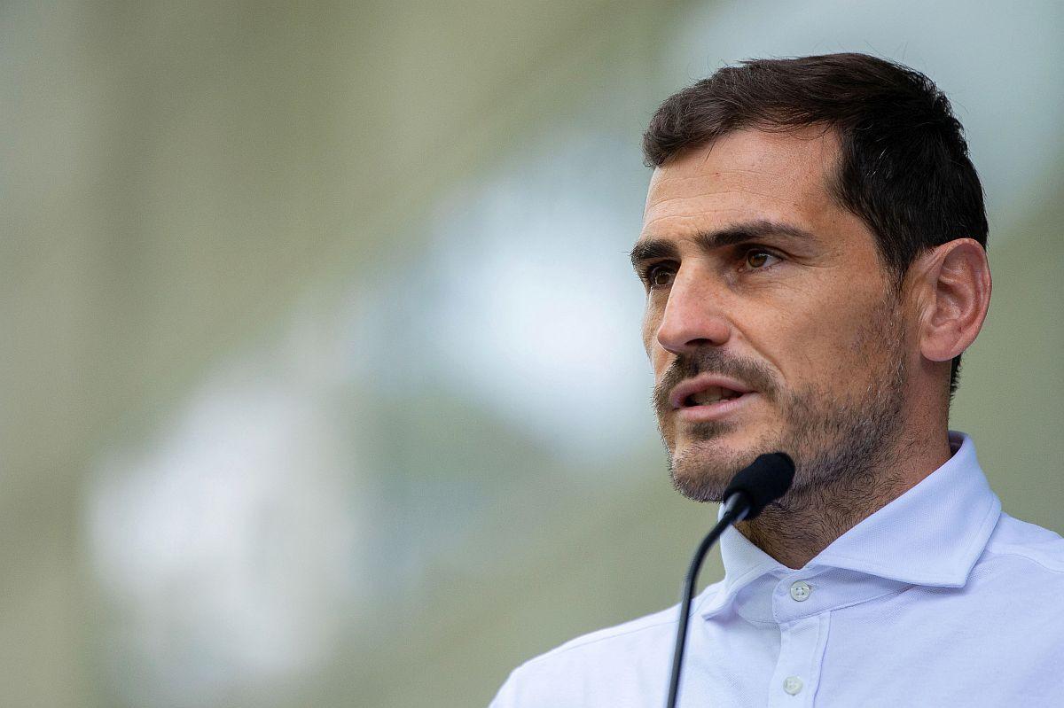 """Casillas objavio fotografiju od prije 15 godina: """"Ni sam ne znam kako sam ovako sjeo"""""""